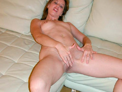 Resentful boys email us hundreds of shots of their naughty mother-naked EX. Image 5