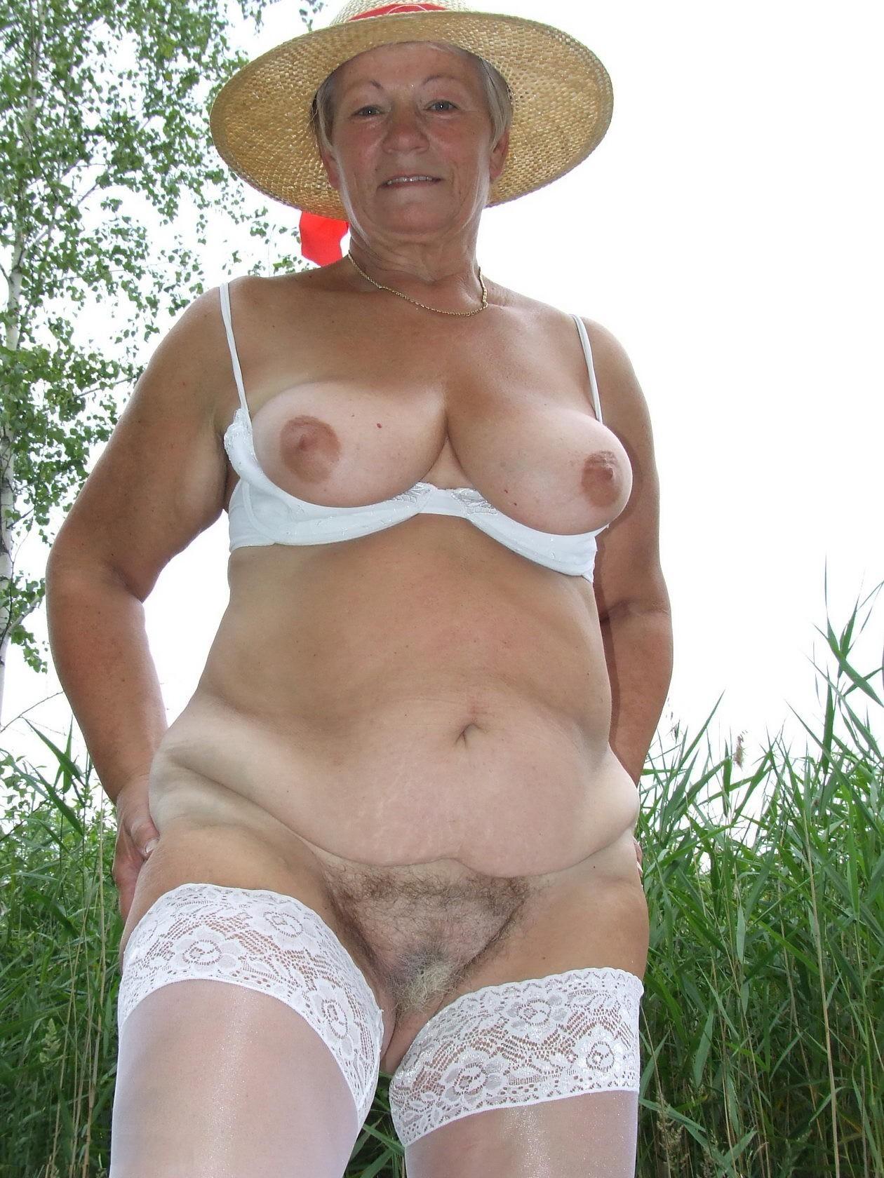 зарезала его, голая бабуся на фото ним