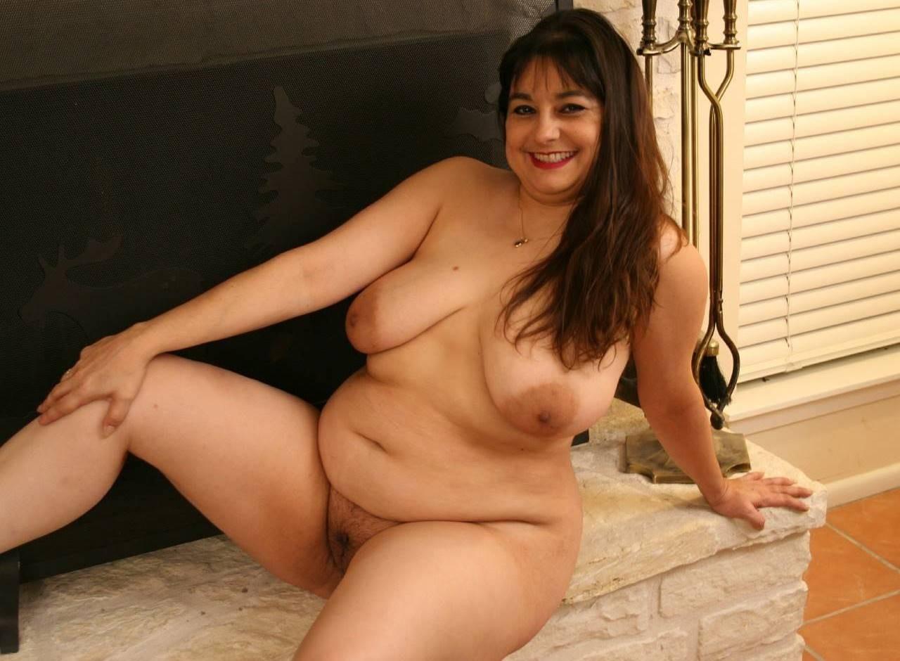 free pics of hot busty latina girls