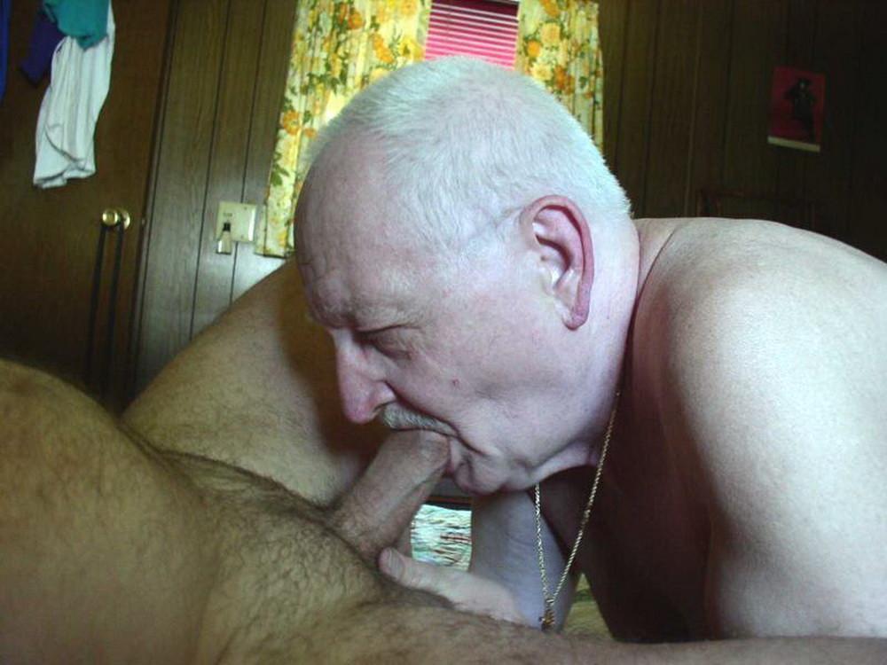 Прикольными членами фото старичков секс с