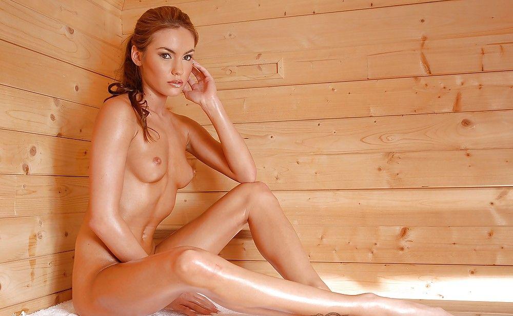 предлагаются голые девы в бане фото показало