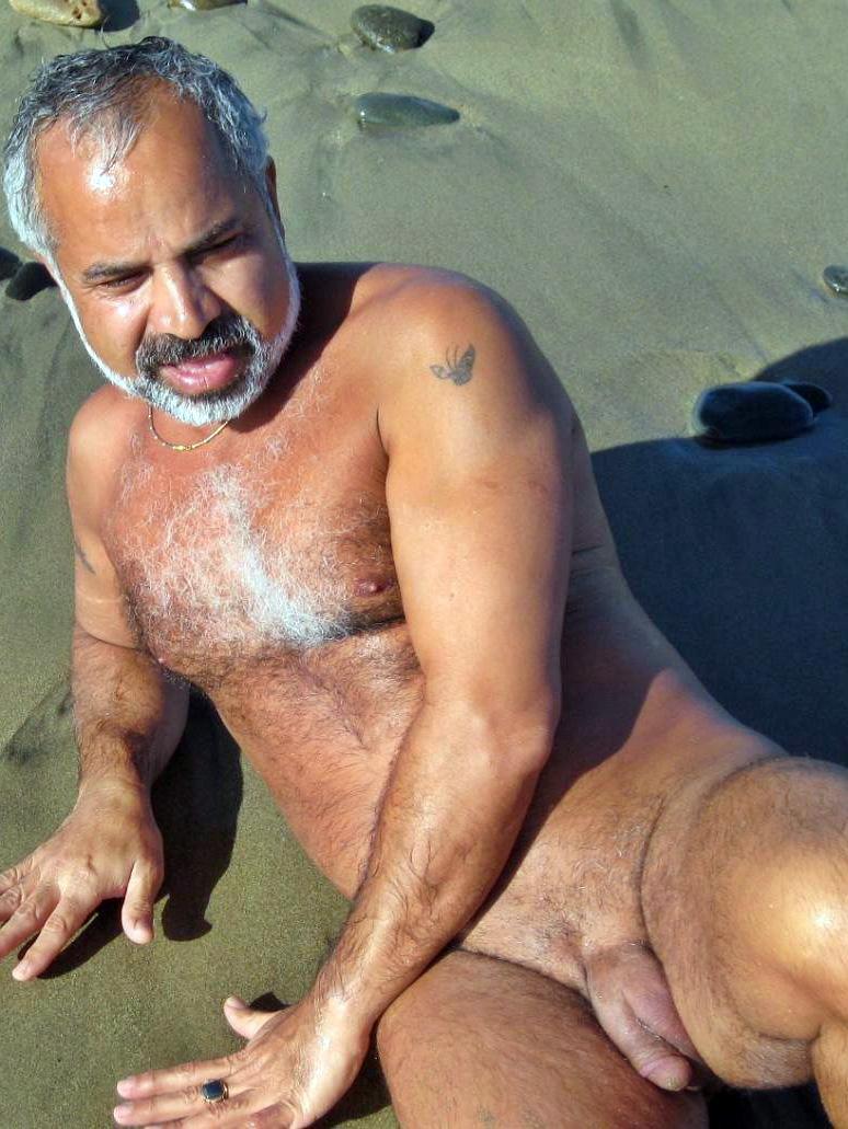 Брутальные Геи На Пляже Онлайн