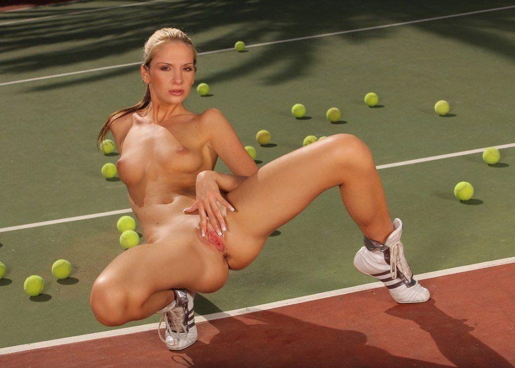 порно теннисистки вид попок