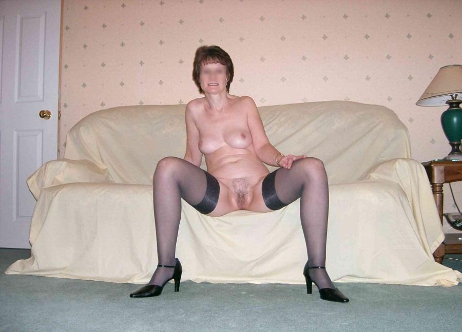 Секс в возрасте в чулках колготках трусах порно