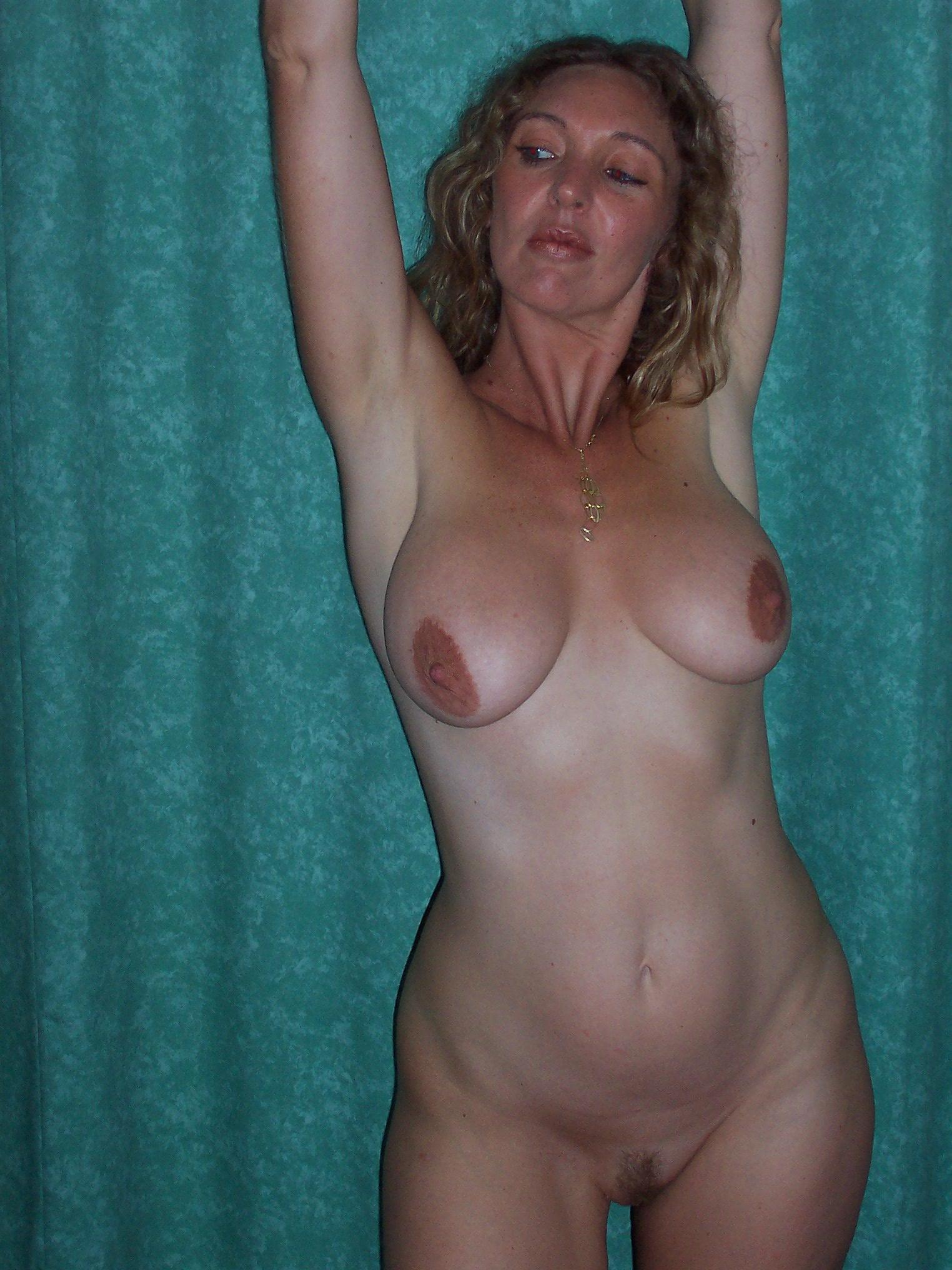 Фото женщин пазируещих часное зрелых сматреть голых