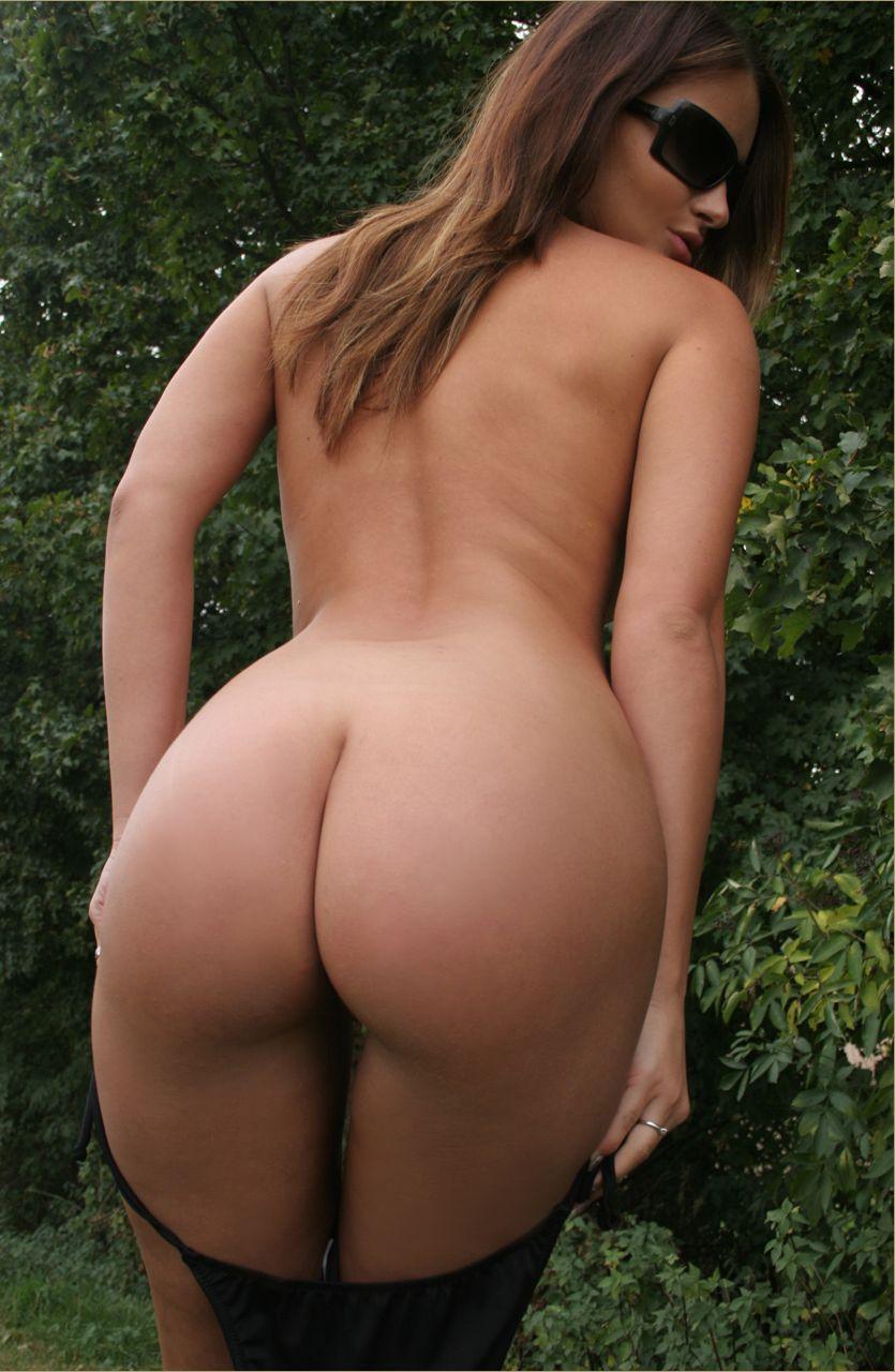Фото голых жопастых телок