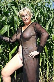 granny-big-boobs003.jpg