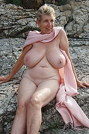 granny-big-boobs011.jpg