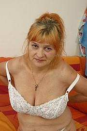 booby-granny010.jpg