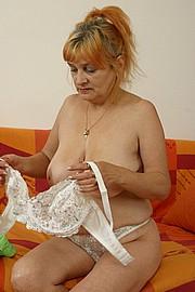 booby-granny012.jpg