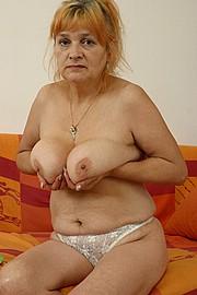 booby-granny013.jpg