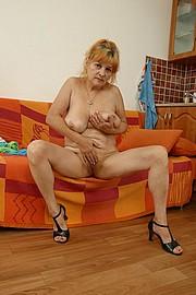 booby-granny015.jpg