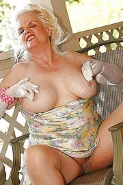 granny-big-boobs120.jpg