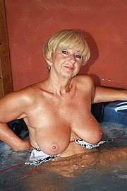 granny-big-boobs135.jpg