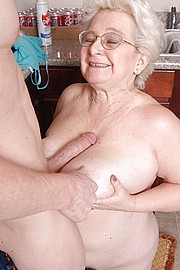 granny-big-boobs149.jpg
