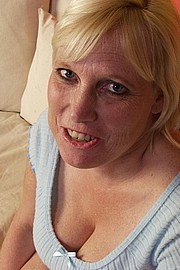 big-mature-boobs03.jpg