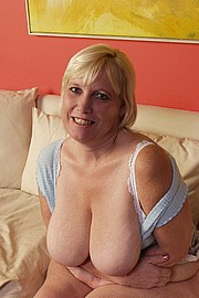 big-mature-boobs06.jpg