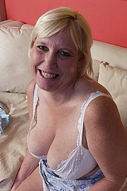 big-mature-boobs12.jpg