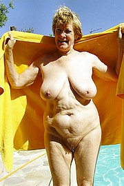 granny-big-boobs153.jpg