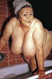 granny-big-boobs174.jpg