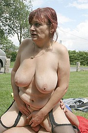 granny-big-boobs190.jpg