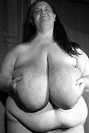granny-big-boobs220.jpg