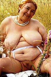 granny-big-boobs194.jpg