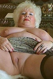 granny-big-boobs172.jpg