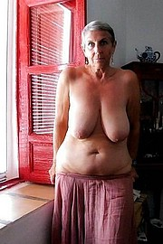 granny-big-boobs247.jpg