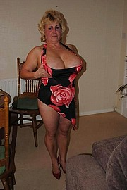 granny-big-boobs250.jpg