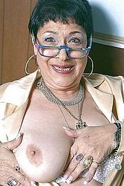 granny-big-boobs273.jpg