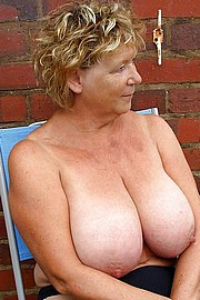granny-big-boobs276.jpg