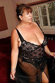 granny-big-boobs289.jpg