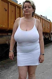 granny-big-boobs292.jpg