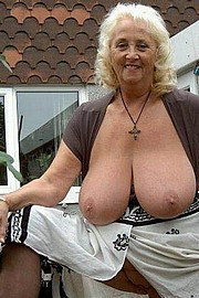 granny-big-boobs298.jpg