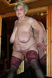 granny-big-boobs309.jpg