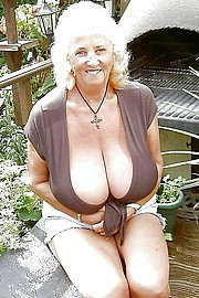 granny-big-boobs315.jpg