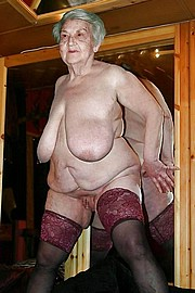 granny-big-boobs322.jpg