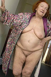 granny-big-boobs335.jpg