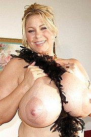 granny-big-boobs352.jpg