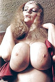 granny-big-boobs354.jpg