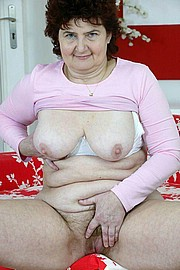 granny-big-boobs370.jpg
