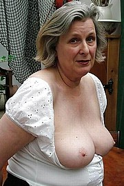 granny-big-boobs385.jpg