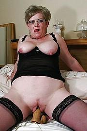 granny-big-boobs394.jpg