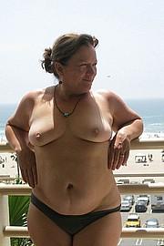 granny-big-boobs418.jpg