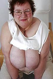 granny-big-boobs420.jpg