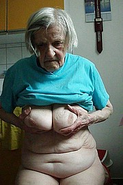 granny-big-boobs459.jpg
