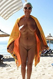 granny-big-boobs460.jpg