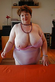 granny-big-boobs442.jpg