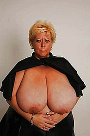 granny-big-boobs439.jpg